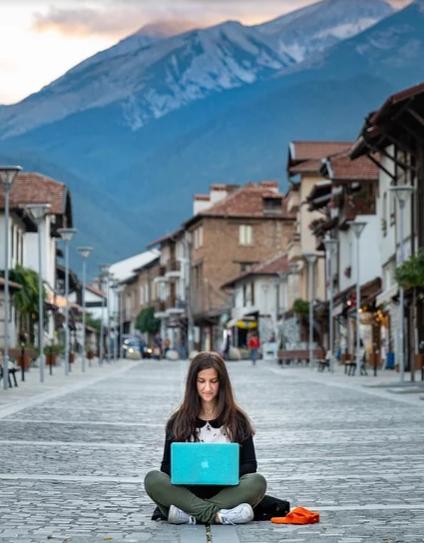 digitális nomád helyfüggetlen svájc